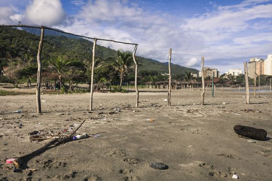 Venezuela's Hard-Partying Beaches Are Now Deserted and Filthy