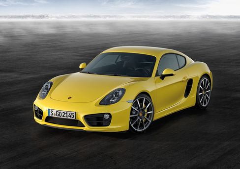 Porsche's Lighter Cayman Picks Up Speed to Bolster Sporty Image