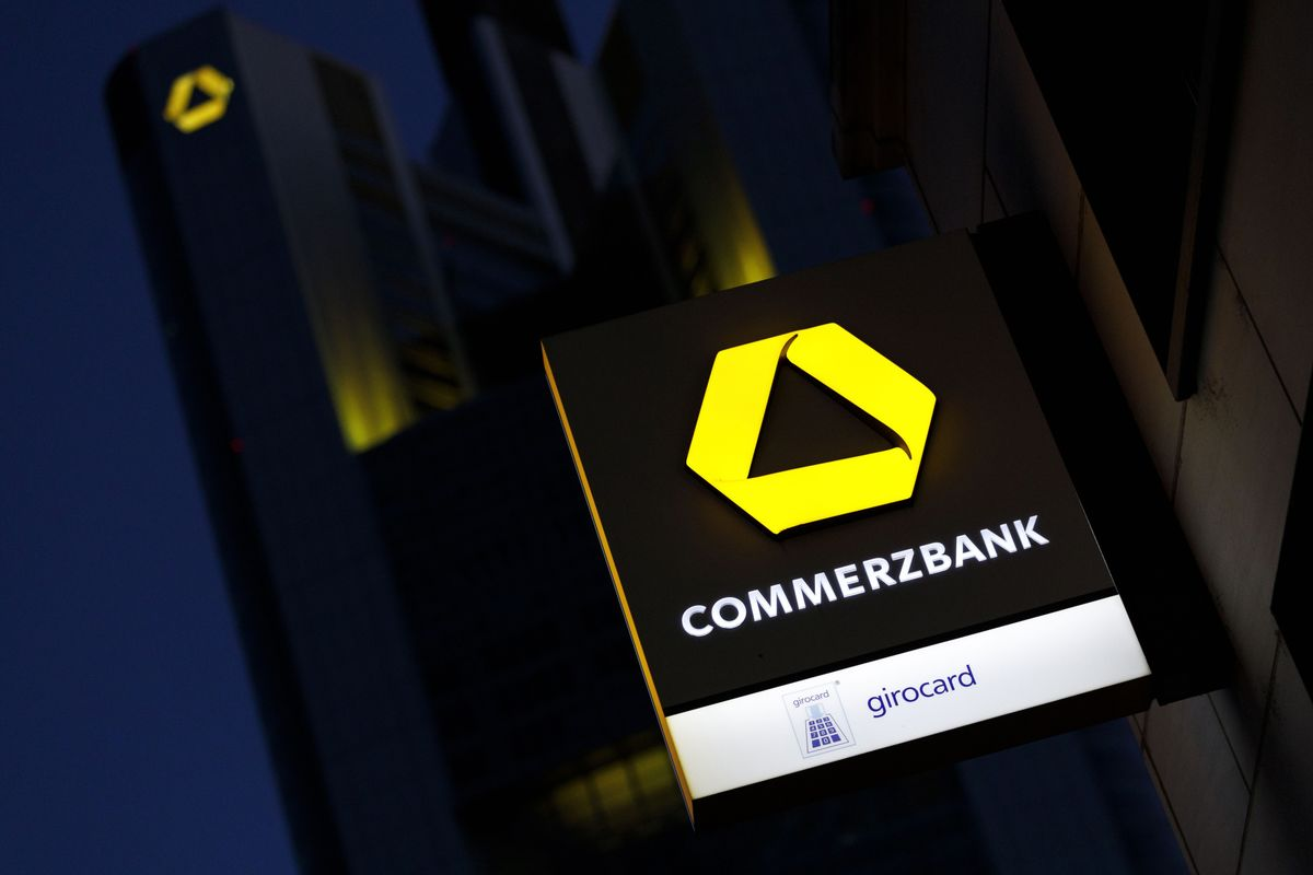 Commerzbank Says Profit Target Is at Risk