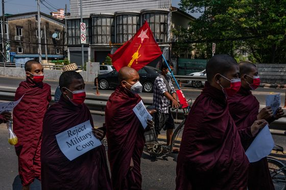 Brawling Myanmar Monks Show Buddhist Nationalists Backing Coup