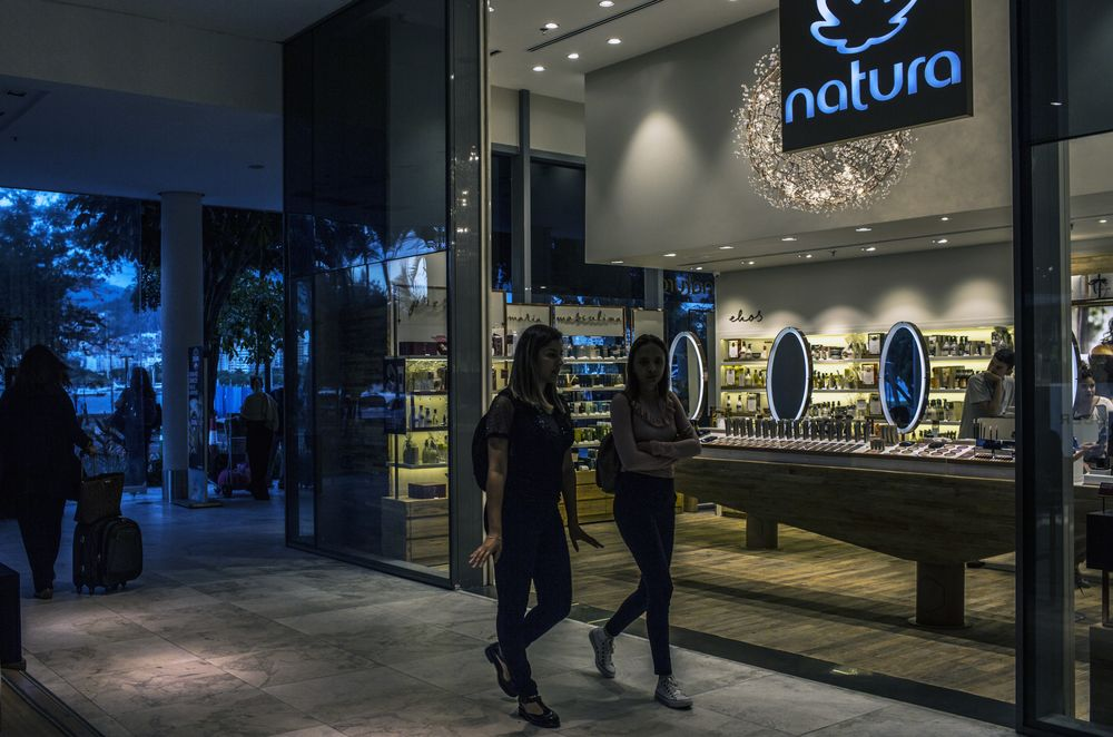 Natura to Buy Avon Products for About $2 Billion in Stock