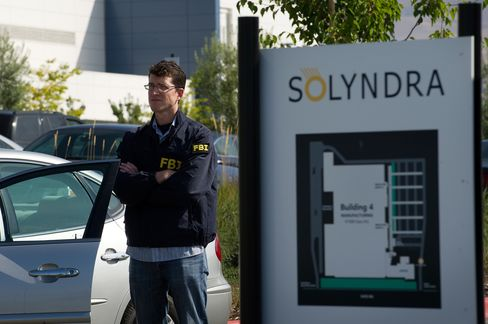 FBI Raids Bankrupt Solyndra as Lawmakers Question Finances
