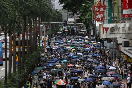 Police Deploy Water Cannon as Violence Returns: Hong Kong Update
