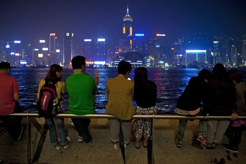 Hong Kong Middle Class Backlash Fed by Tycoons Chosing Le
