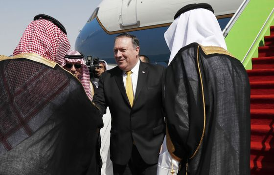 Trump Stuck Between Two Key Allies as Khashoggi Fallout Expands
