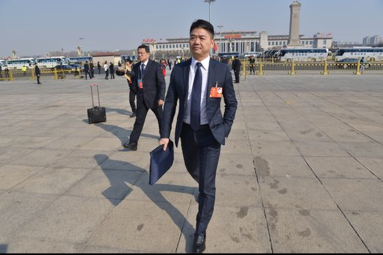 JD.Com Founder's Iron Grip, Legal Woes Leave Investors in Dark