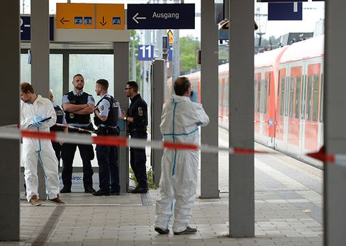 Forensic team at Grafing station on May 10.