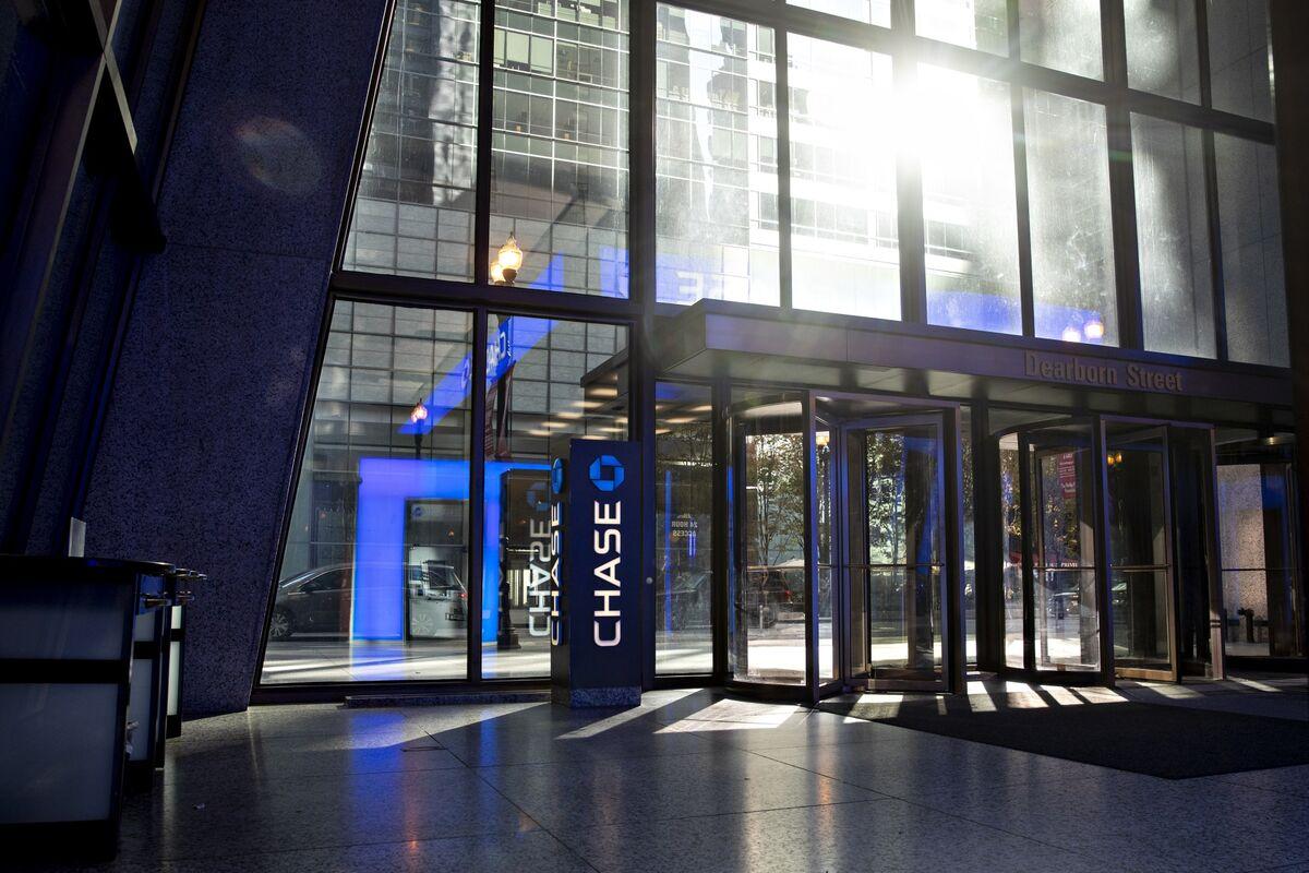 JPMorgan Keeps Bonuses Flat for Bankers, Traders