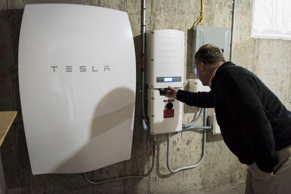 Tesla Batteries in Short Supply for Many U.S. Solar Installers