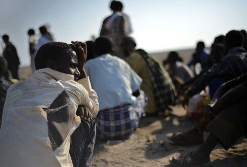 Ethiopian Immigrants Wait for Boats to Cross into Yemen