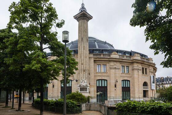 Tour BillionairePinault's New $194 Million Art Museum in Paris