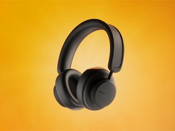 Self-Charging Headphones Use Solar Cells to Keep Music Blaring