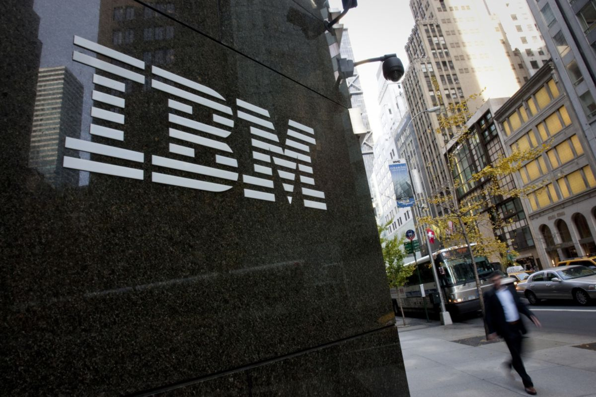 bloomberg.com - Brody Ford - IBM Expands Hybrid Cloud Service, Targeting Banks, Health Care