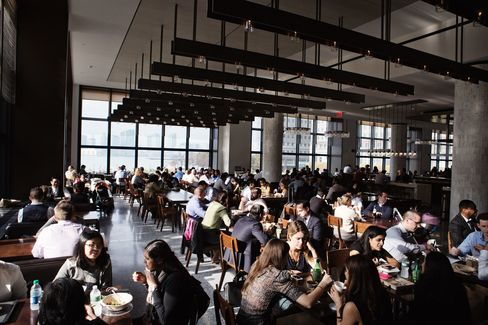 Hudson Eats at Brookfield Place—the mall area that connects the towers of American Express, Goldman Sachs, and others.