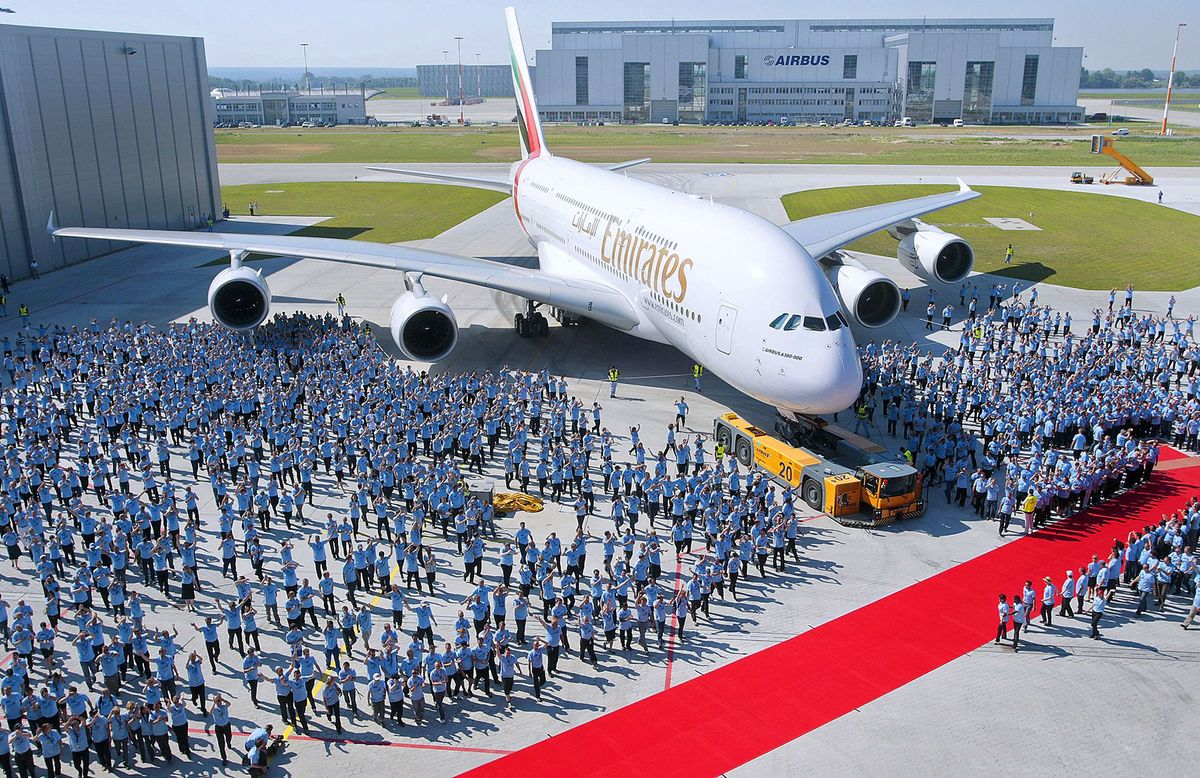 Airbus A380 Superjumbo How It Happened And What Went Wrong Bloomberg