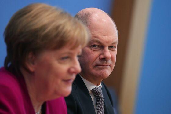 Merkel Despairs as German Conservatives Slump on Her Watch