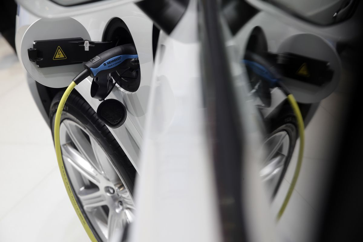 Volvo Foots Bill for Battery Charges in Bid to Curb Emissions