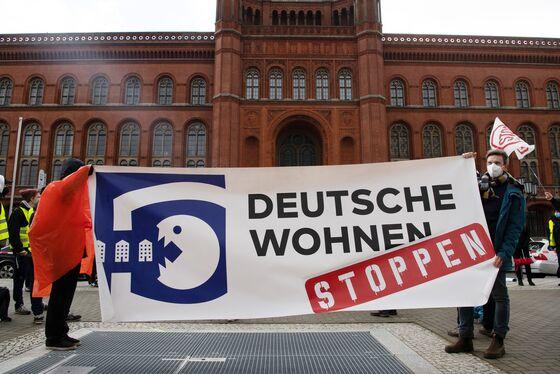 Berlin's Rent Freeze Failure Puts Housing on Election Agenda