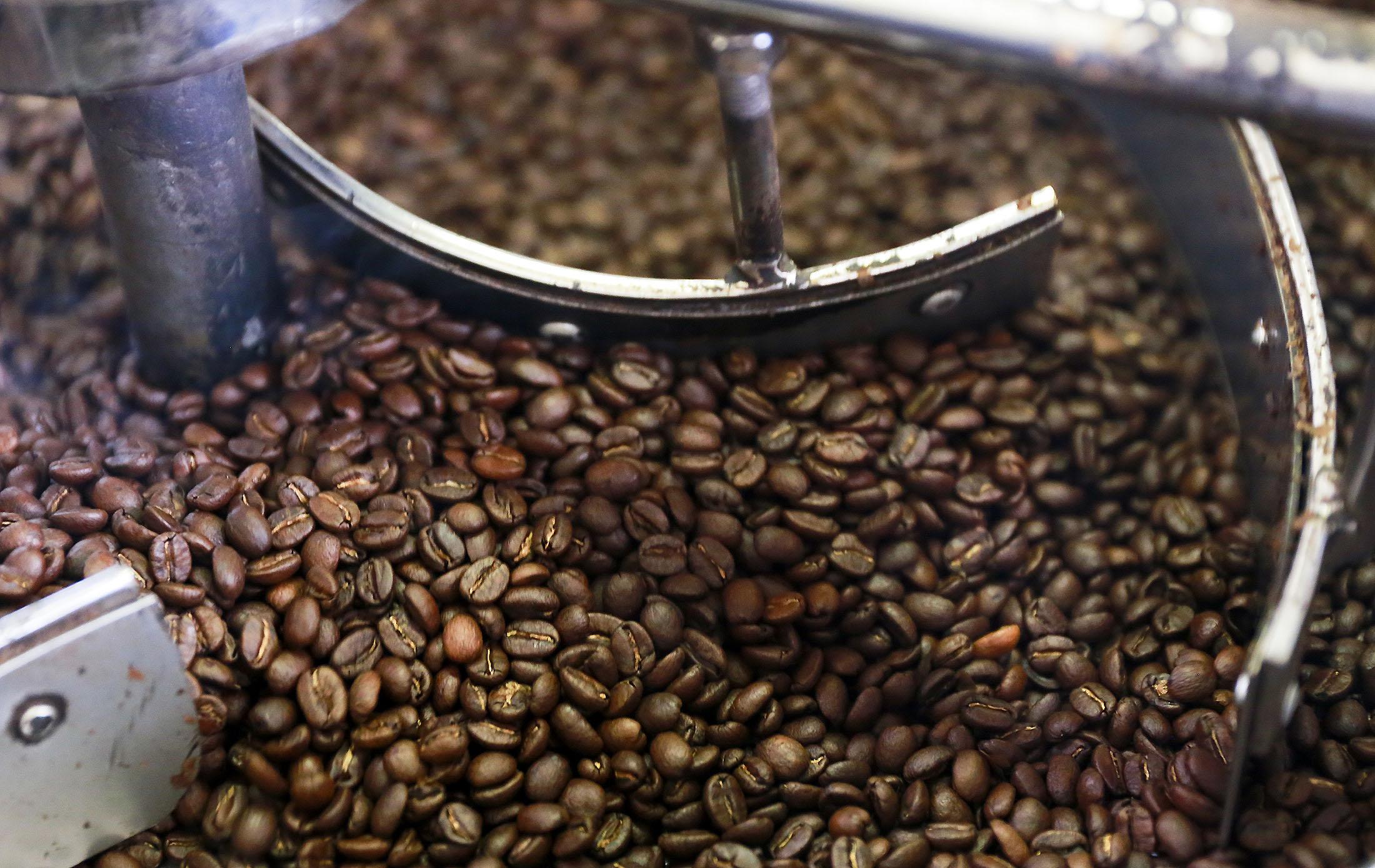 Brazils Currency Drop Is Good News For Coffee Bears Bloomberg Morgan Kopi