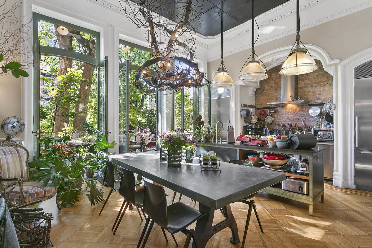 Buy A 5 6 Million Brooklyn Brownstone That Starred On