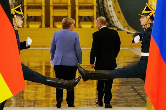 Merkel Struggles to Wrap Up Unfinished Business With Putin