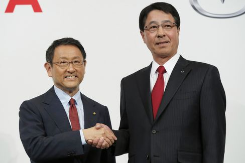 Toyota Expands Tie-Up With Mazda to Share Auto Technology