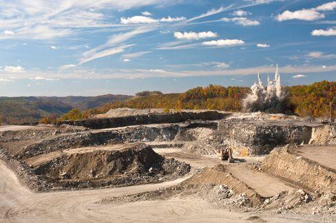 Consol to Idle West Virgina Coal Mine After U.S. Demand Declines