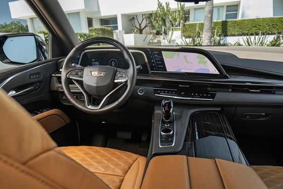The 2021 Cadillac Escalade Is a Bullhorn for Your Bank Account