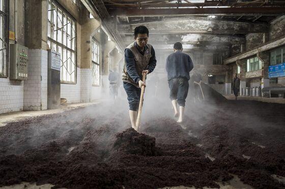 Angst Over Chinese Spending Shaves $10 Billion Off Liquor Stock