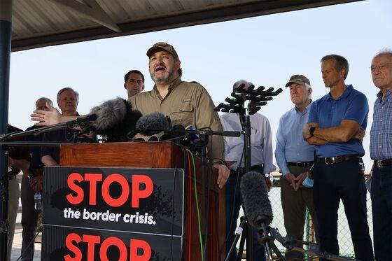 Republicans Demand Biden Restore Trump-Era Policy at Border