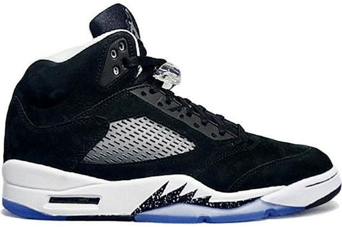 b79a9d0185e0 The 25 Best-Selling Air Jordans - Bloomberg