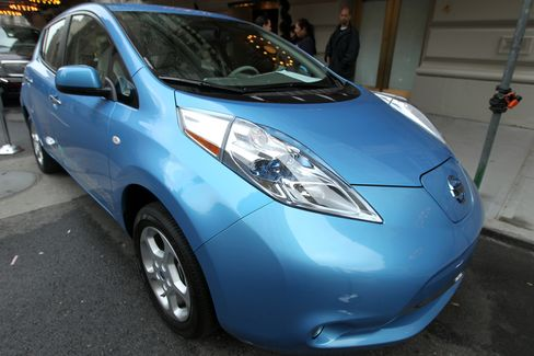 Nissan Sees Leaf Sales Doubling as Factory Begins Production