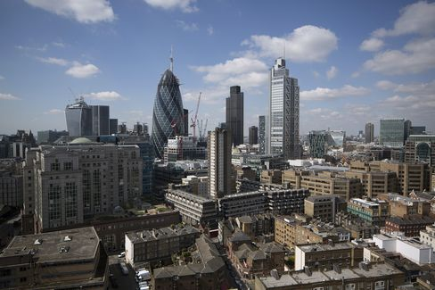 London Luxury-Home Prices Fall in June as Cash Buyers Dwindle