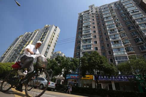 China June Home Sales Rise 24% as Buyers Defy Government Curbs
