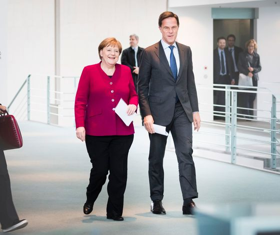 Merkel Moves to Kill Off Speculation Over Her Future in Brussels