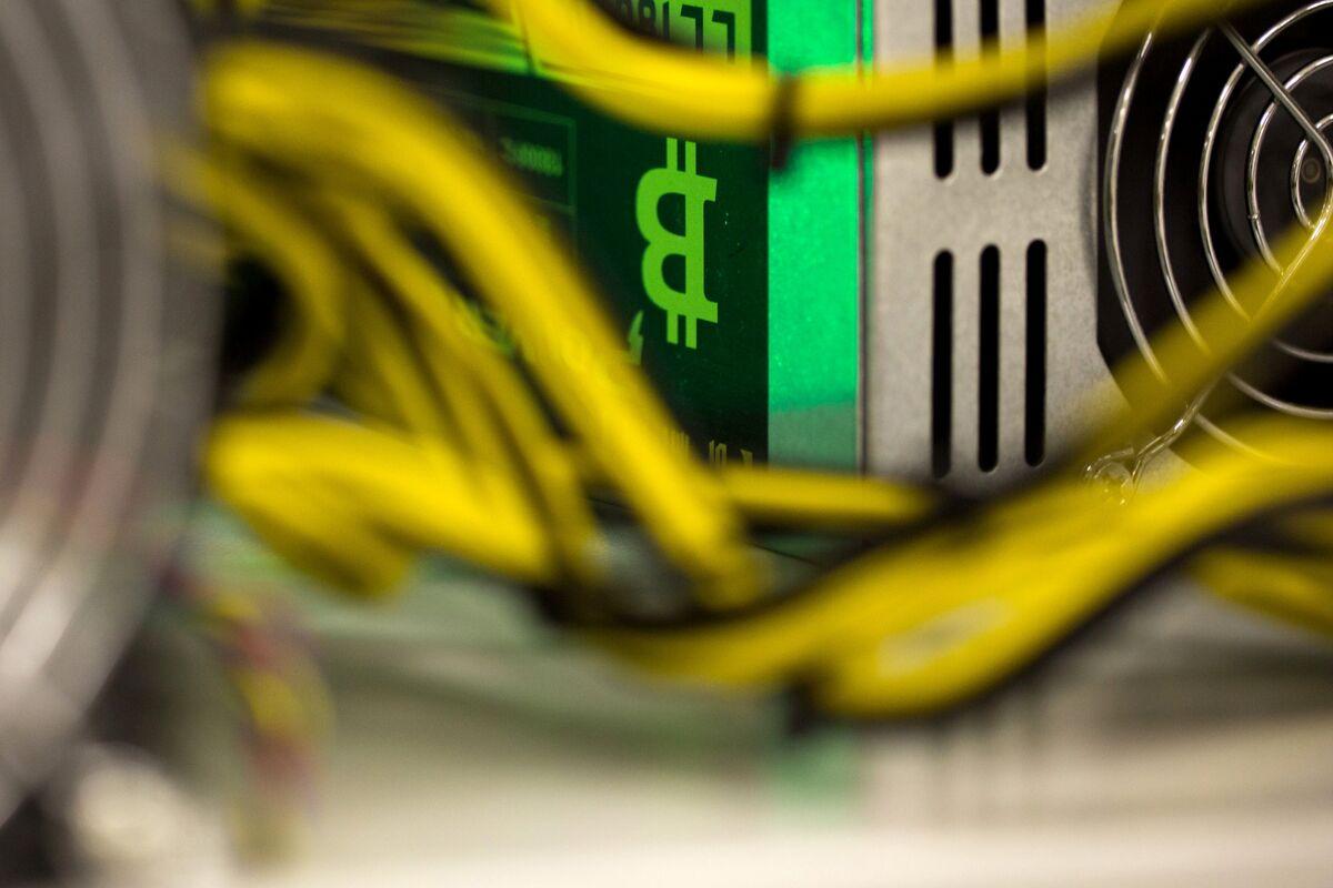 JPMorgan Dips a Toe Into Analysis of Bitcoin Futures Volatility