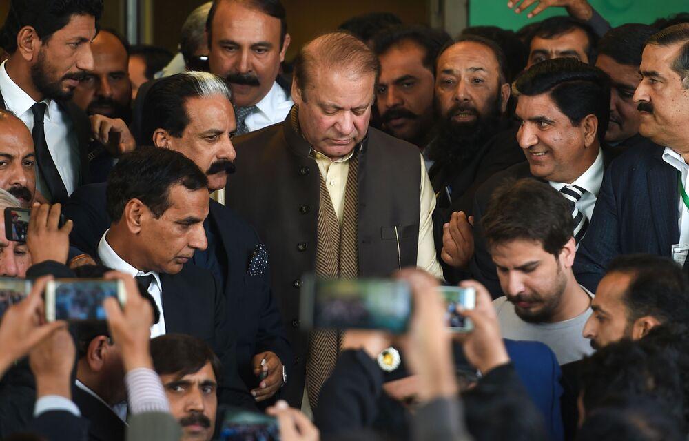 Former Pakistan Prime Minister Sharif Gets Bail for Six Weeks