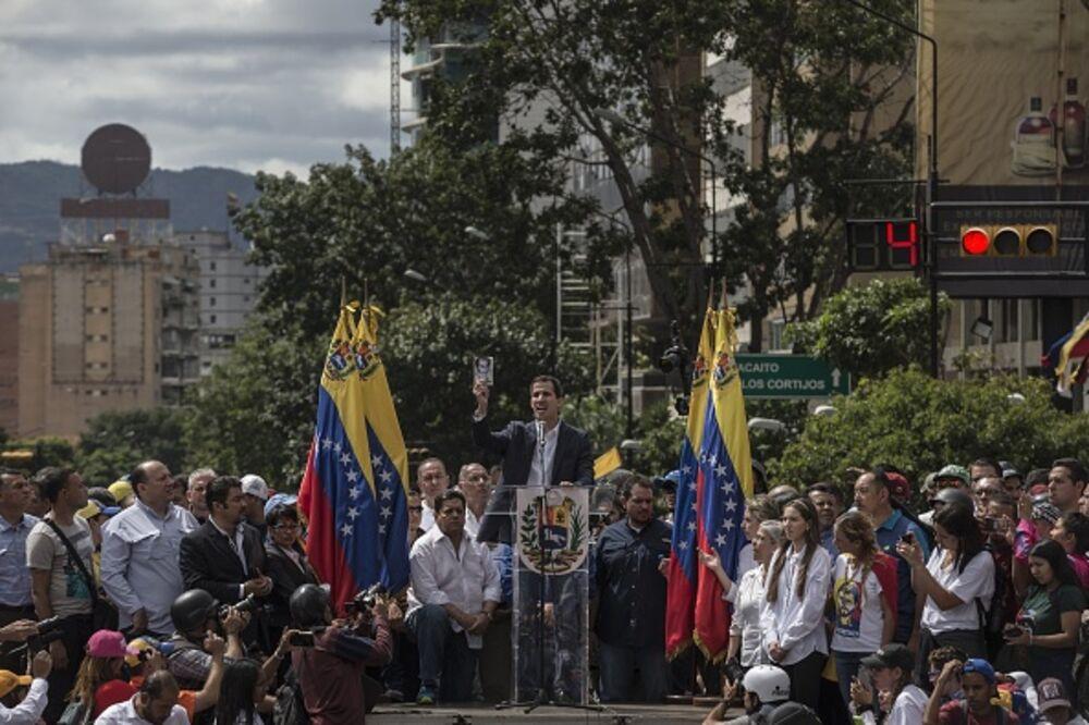 Μια τολμηρή, επικίνδυνη κίνηση για τη Δημοκρατία στη Βενεζουέλα