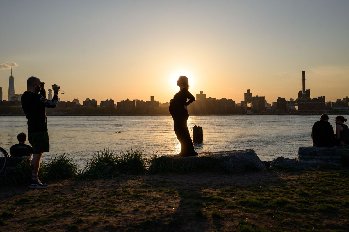 <p>U.S. Births Drop to the Lowest Level Since the 1970s thumbnail
