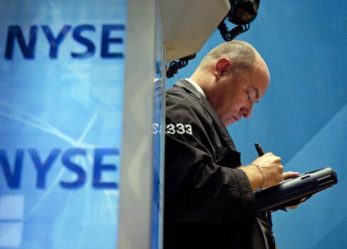 U.S. Stocks Extend Losses as Merkel Cancels Speech