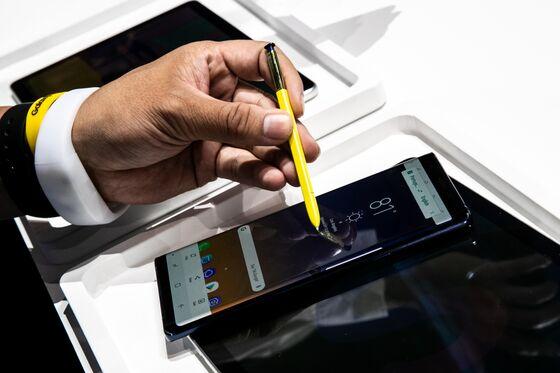 iPhone X Versus Samsung's Note 9: Battle of the $1,000 Phones