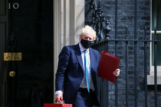 U.K.'s Johnson Signals Pandemic Inquiry to Start Within a Year