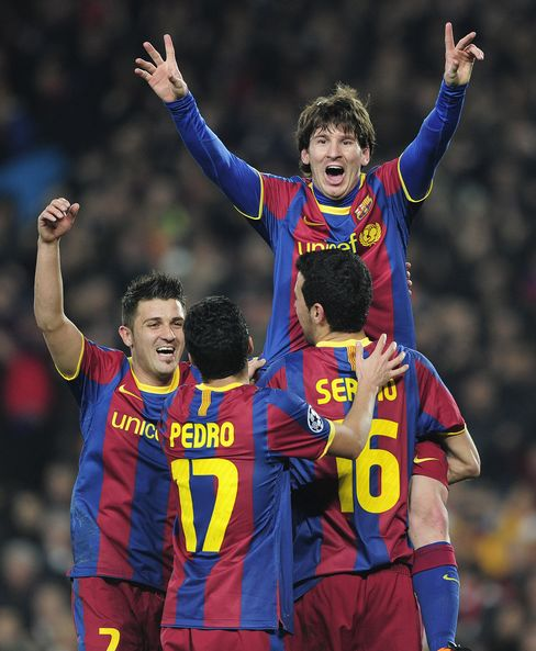 Messi Lifts Barca Past Arsenal Champions League Quarters