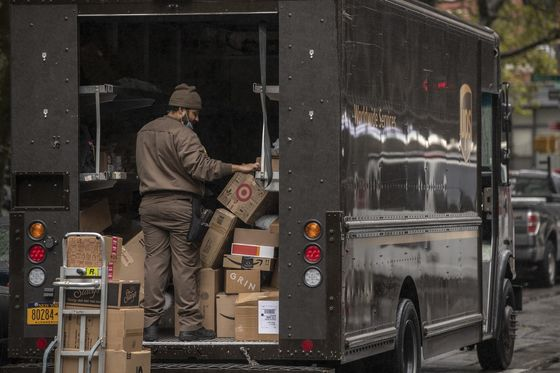 FedEx, UPS See Delivery Van Shortage Amid E-Commerce Rush