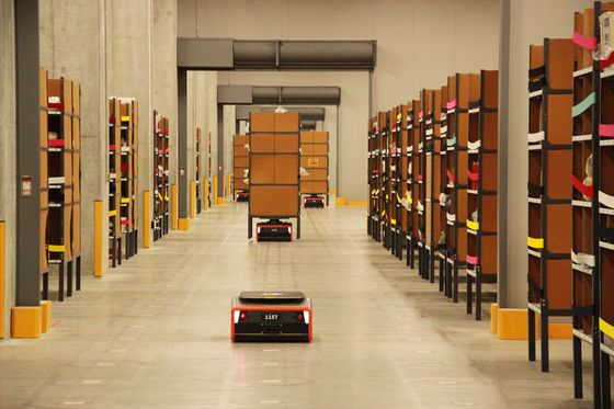 Thiel-Backed Startup to Sell 5,000 Warehouse Robots to XPO