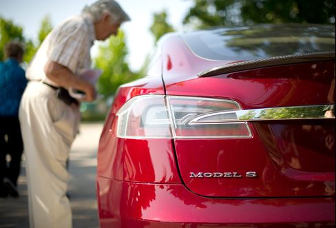 Tesla Says It's Received Hundreds of Model S Orders in Hong Kong
