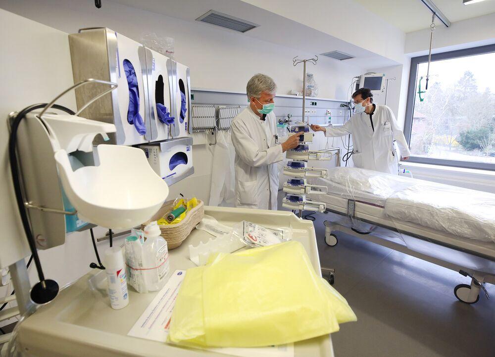 Germany Coronavirus News Car Firms To Make Medical Gear Bloomberg