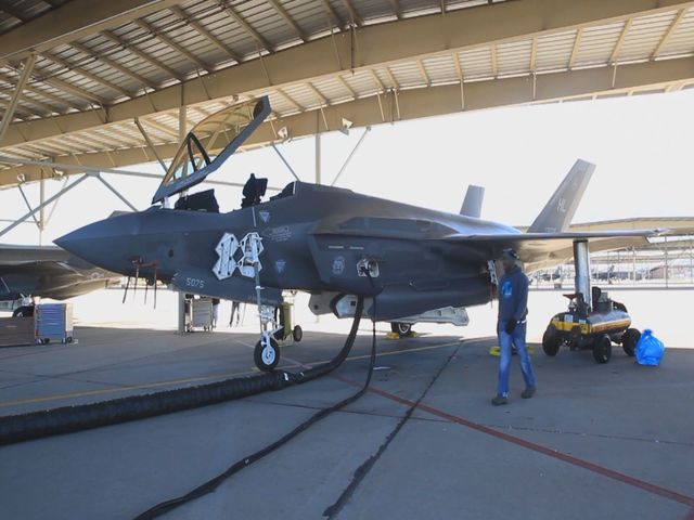 Why America's Two Top Fighter Jets Can't Talk to Each Other