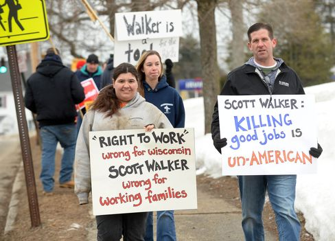 Scott Walker Gives Speech At New Hampshire GOP Grassroots Training And Rally