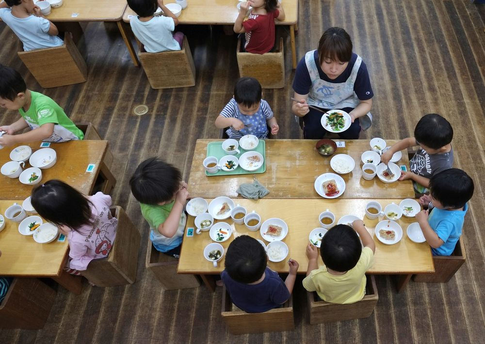 Abe Has to Run to Keep Up as Demand for Childcare Grows in Japan
